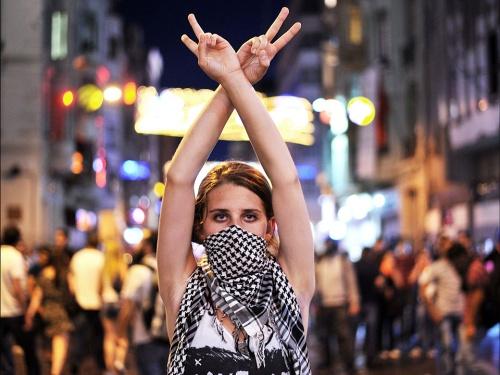 taksim_protestor_model 23 06 2013